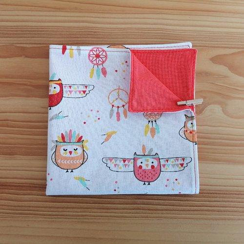 Serviette de table enfants doublée en tissu oeko-tex, fond blanc et hiboux