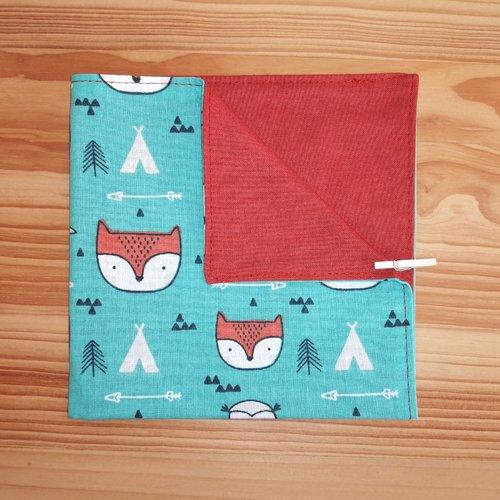 Serviette de table enfants doublée en tissu oeko-tex, fond vert et renards