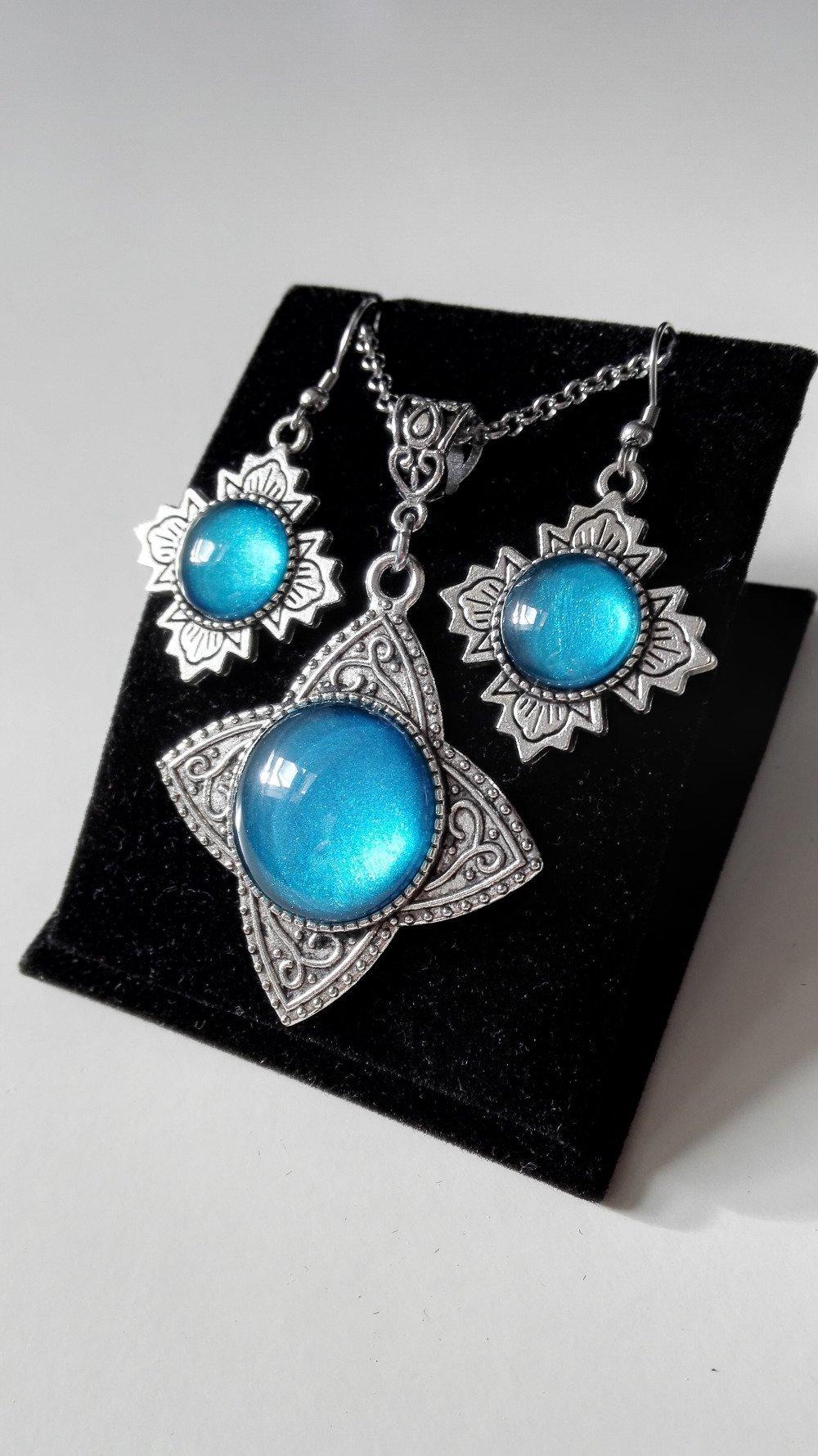 Parure Outlander collier celtique boucles rose jacobite bleu turquoise argenté acier inoxydable féérique vintage idée cadeau Miss Per