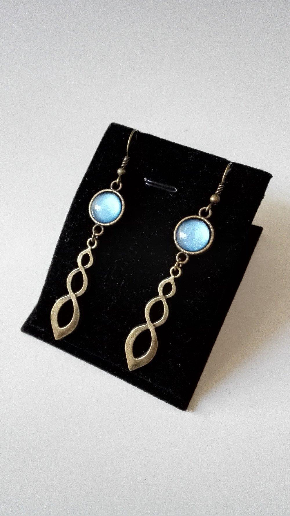 Boucles d'oreilles noeuds celtiques Claire sassenach cabochon bleu bronze Outlander Ecosse Miss Perles