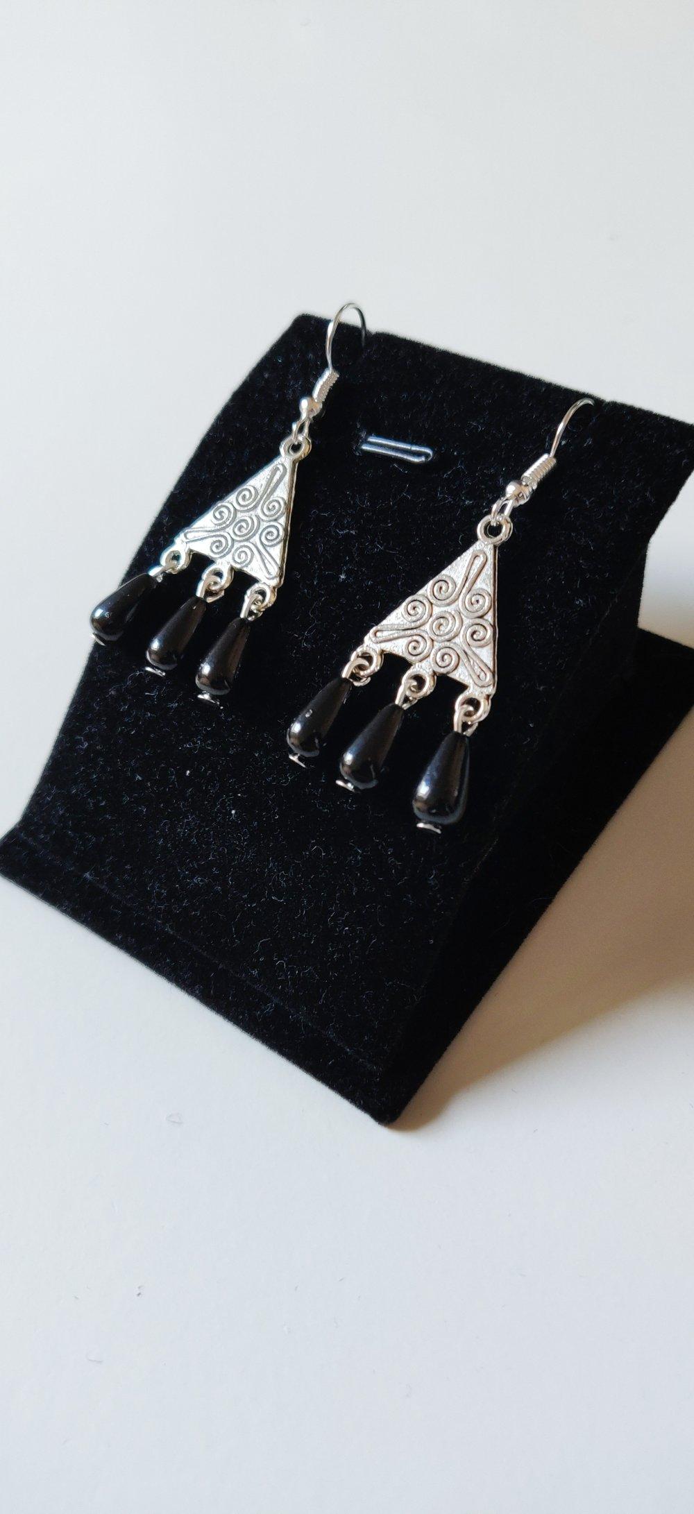 Boucles d'oreilles vintage maya argenté noire idée cadeau cadeau Miss Perles