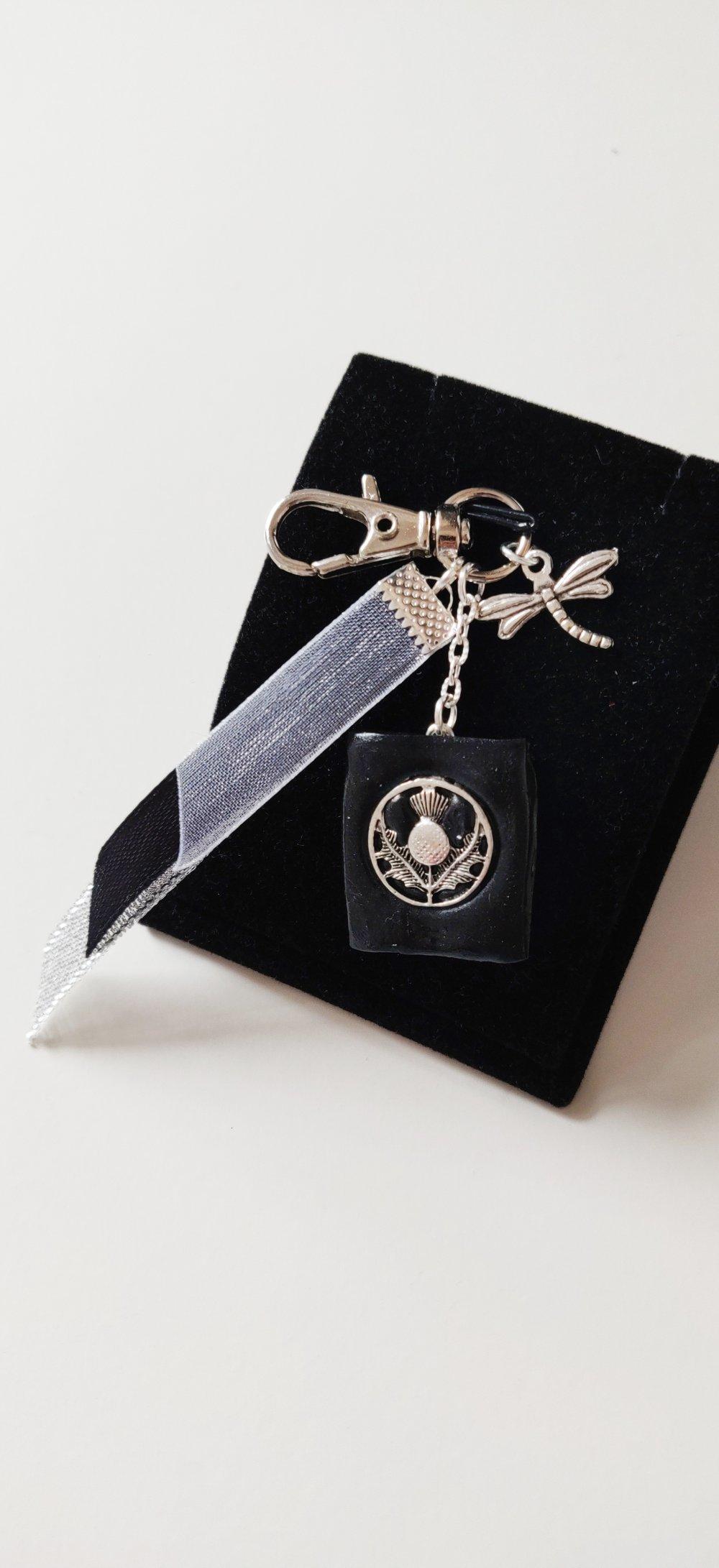 Bijou de sac Outlander livre chardon écossais noir argenté Sassenach Ecosse féérique idée cadeau Miss Perles