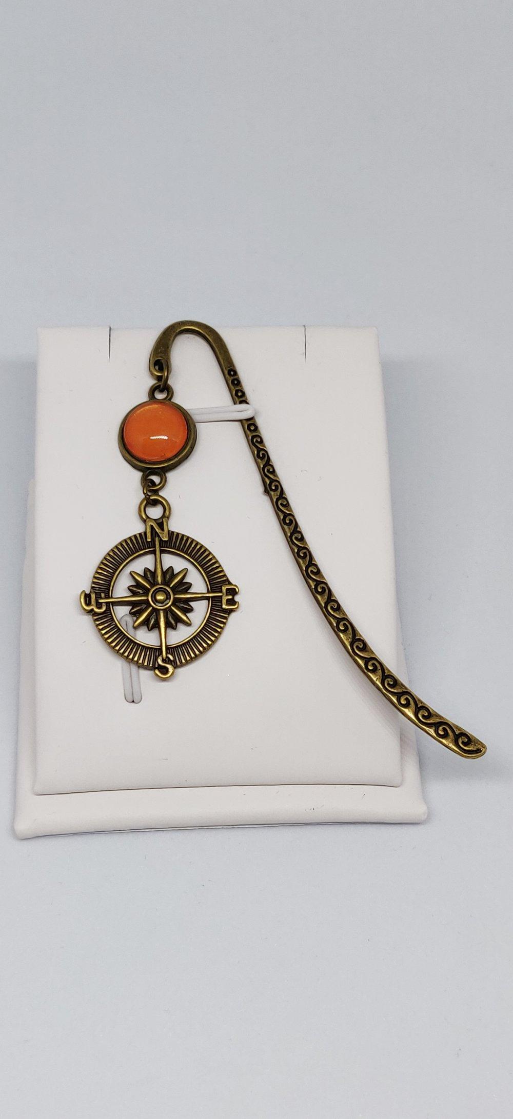 Marque page steampunk boussole Game of thrones bronze orange Pirates des Caraibes inspiration idée cadeau lecture Miss Perles