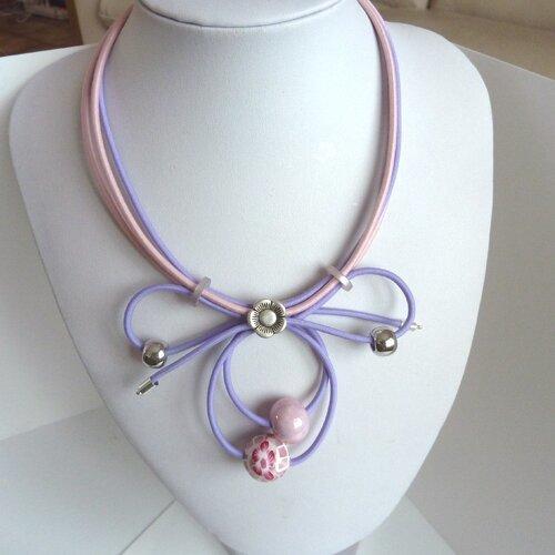 Collier pendentif rose et violet