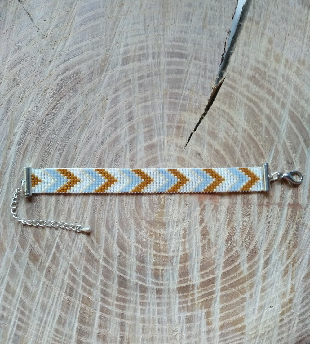 Bracelet tissé sur un métier avec des perles japonaises Miyuki