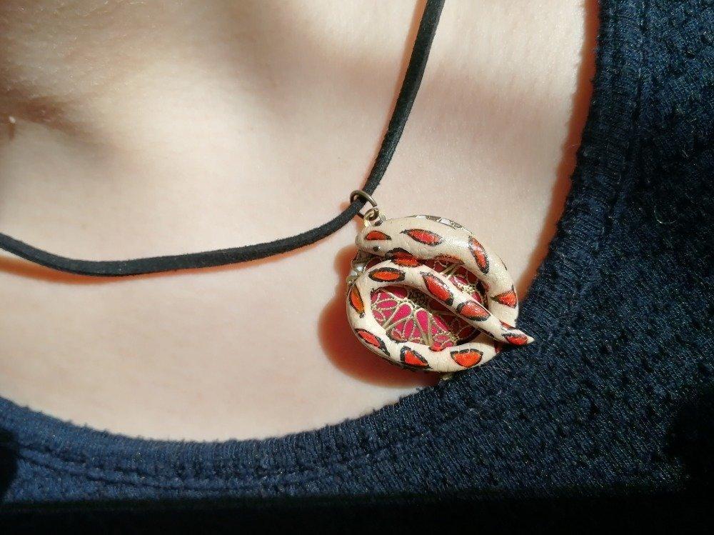 Collier pendentif porte photo serpent bronze