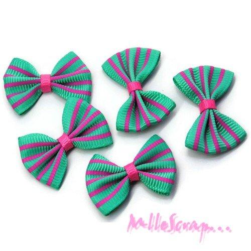 *lot de 5 noeuds rayés tissu vert clair, rose embellissement scrapbooking carte. *