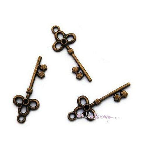 *lot de 5 breloques clés trèfle en bronze embellissement scrap carte*