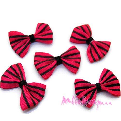 *lot de 5 noeuds rayés tissu rose embellissement scrapbooking carte. *