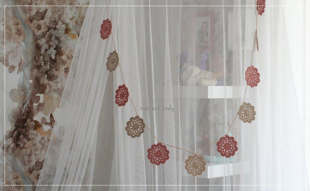 Guirlande fleurs au crochet fait main en 100% coton