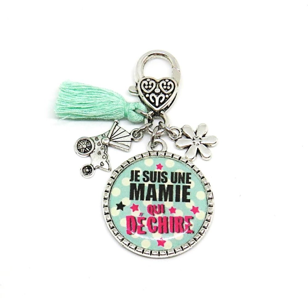 """Porte clés """"Je suis une mamie qui déchire"""" / cadeau, mamie, grand-mère, fête des grand-mères"""