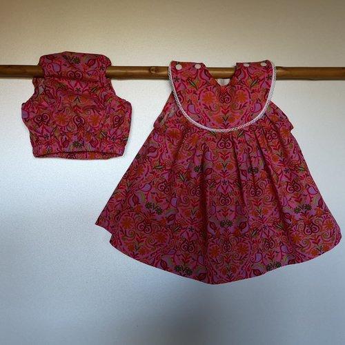 Ensemble robe rose à ramages, culotte bouffante et chapeau, cadeau naissance