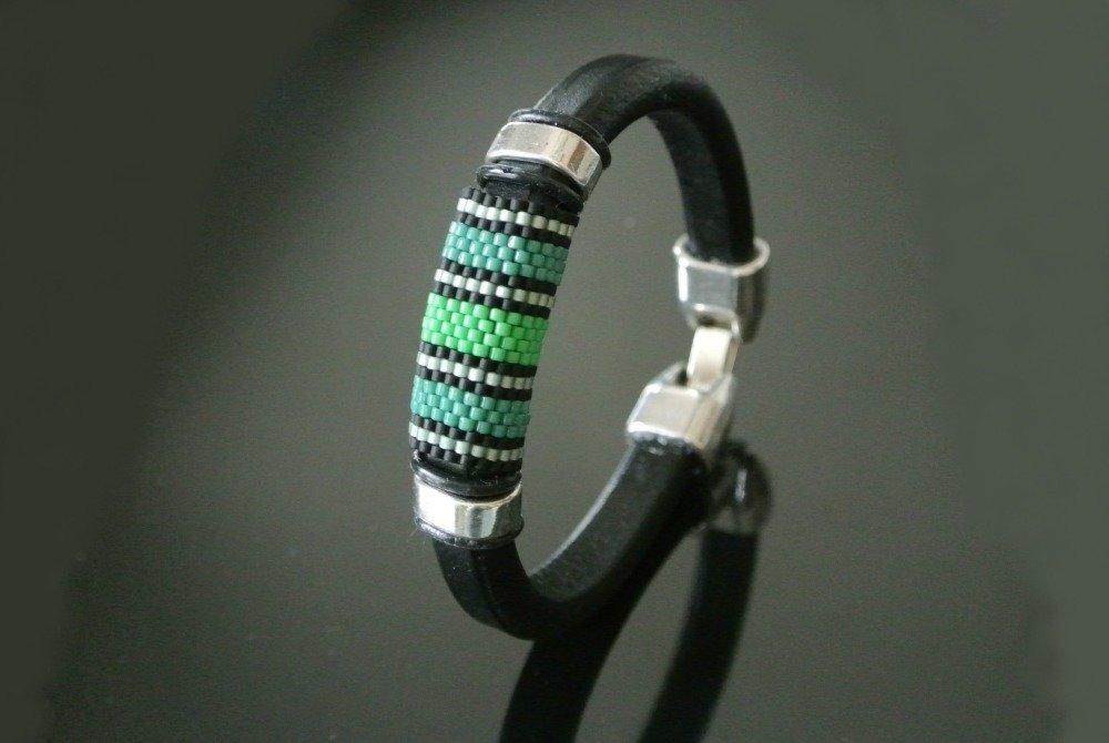 Bracelet homme cordon cuir regaliz noir, tissage peyote vert et noir