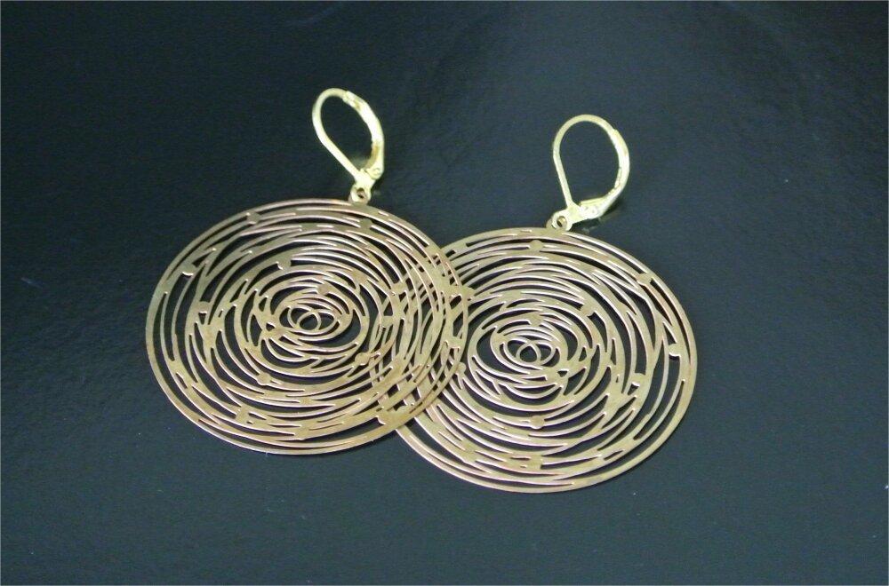 Boucles d'oreilles dorées breloque ronde et plate très légère ajourée 45 mm, longueur 55 mm