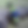 Bracelet homme cuir noir épais 20,5 cm, perle céramique bleu sombre, cordon ciré vert anis
