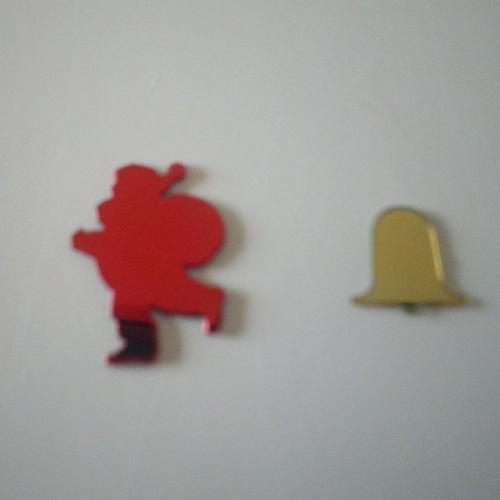 Boîte de paillettes, .sequins en forme de cloche et père noël rouge et doré