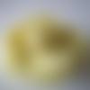 Fleur, grande rose  en laine feutrée dans les  tons vert pomme - taille environ 10 cm