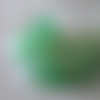 Très grosse perle en résine avec filaments et éclats d'or - 5 cm x 4 cm
