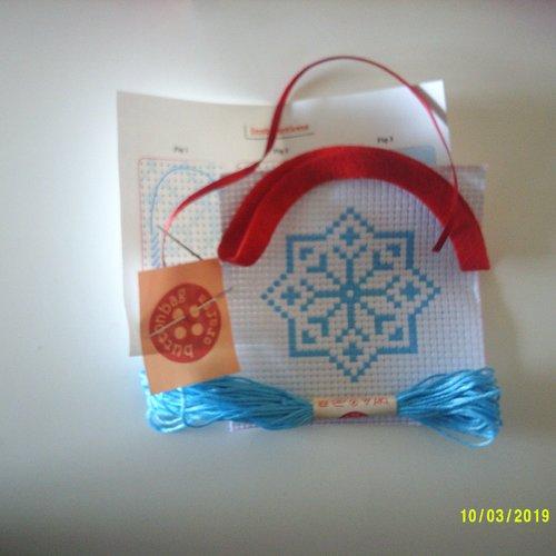 A buttonbag mini craft kit - tableau flocon de neige à broder au point de croix - kit de bricolage