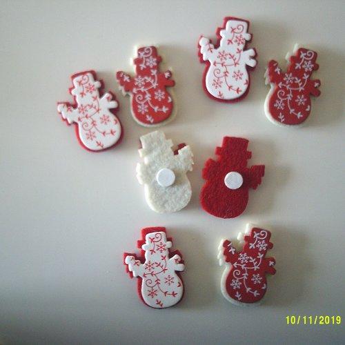 Lot de 8 bonhomme de neige en bois et en feutrine au dos - rouge et blanc avec décoration sur le devant