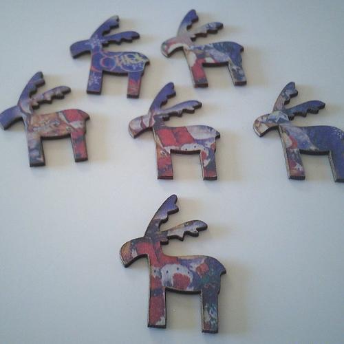 Sachet de 6 petits rennes en bois de couleur parme