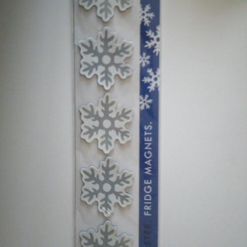 Planche de 4 magnets pour réfrigérateur ou autre représentant un flocon de neige