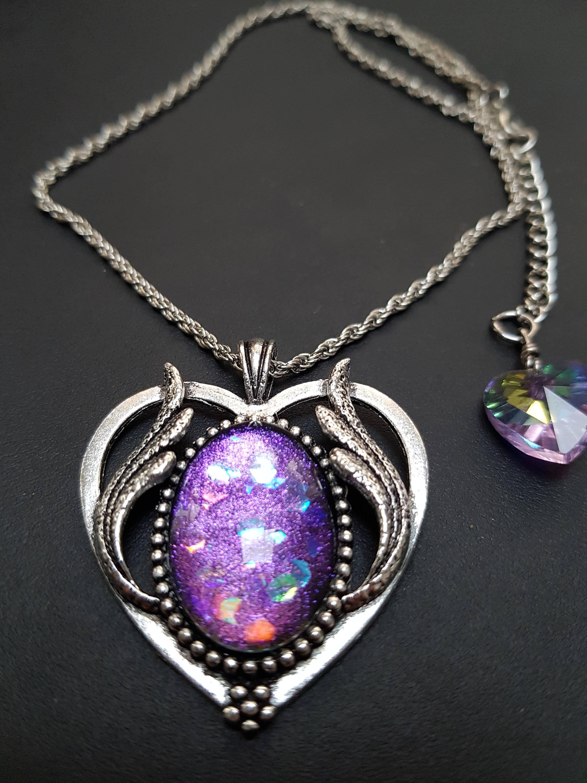 Collier cœur ailé galaxie mauve argent antique