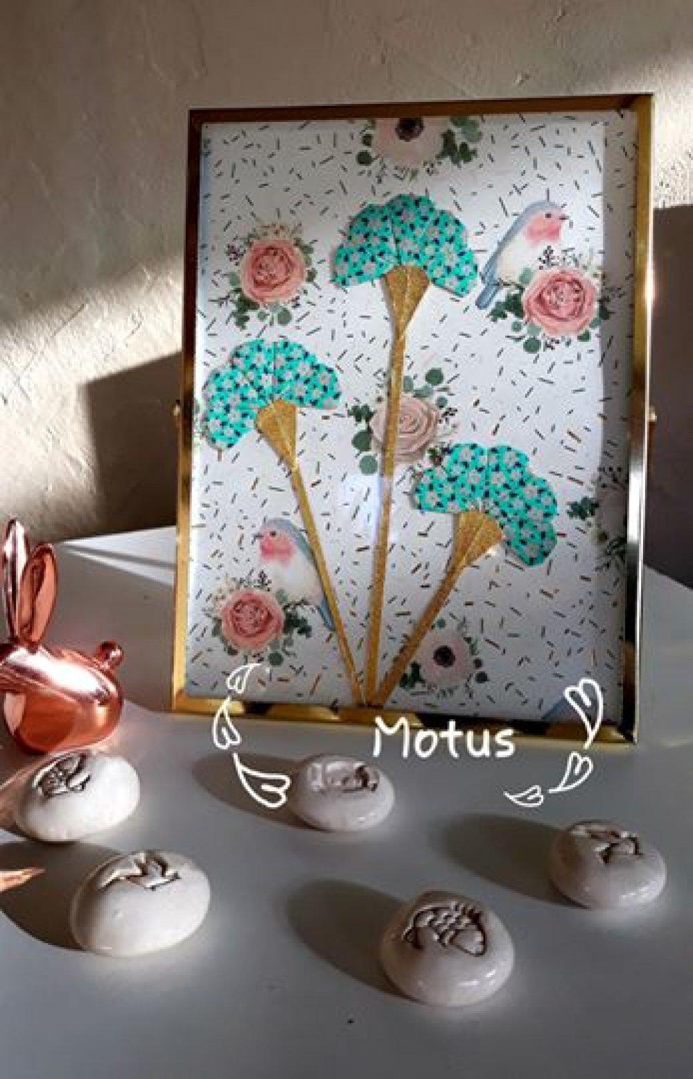 Cadre métal et verre fleur origami