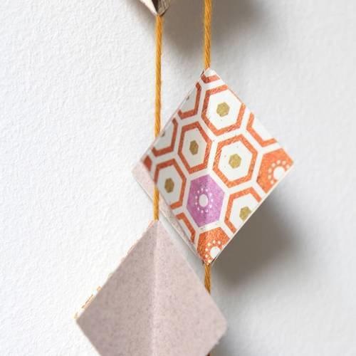 Guirlande en papier - losange 3d - orange, gris, ivoire ...