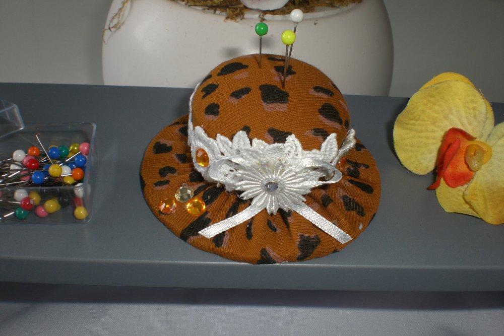 Pique épingles chapeau  safari