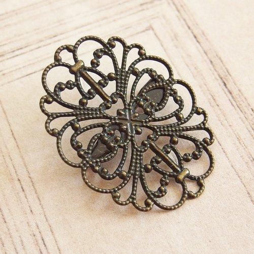 Broche vintage filigrane métal bronze