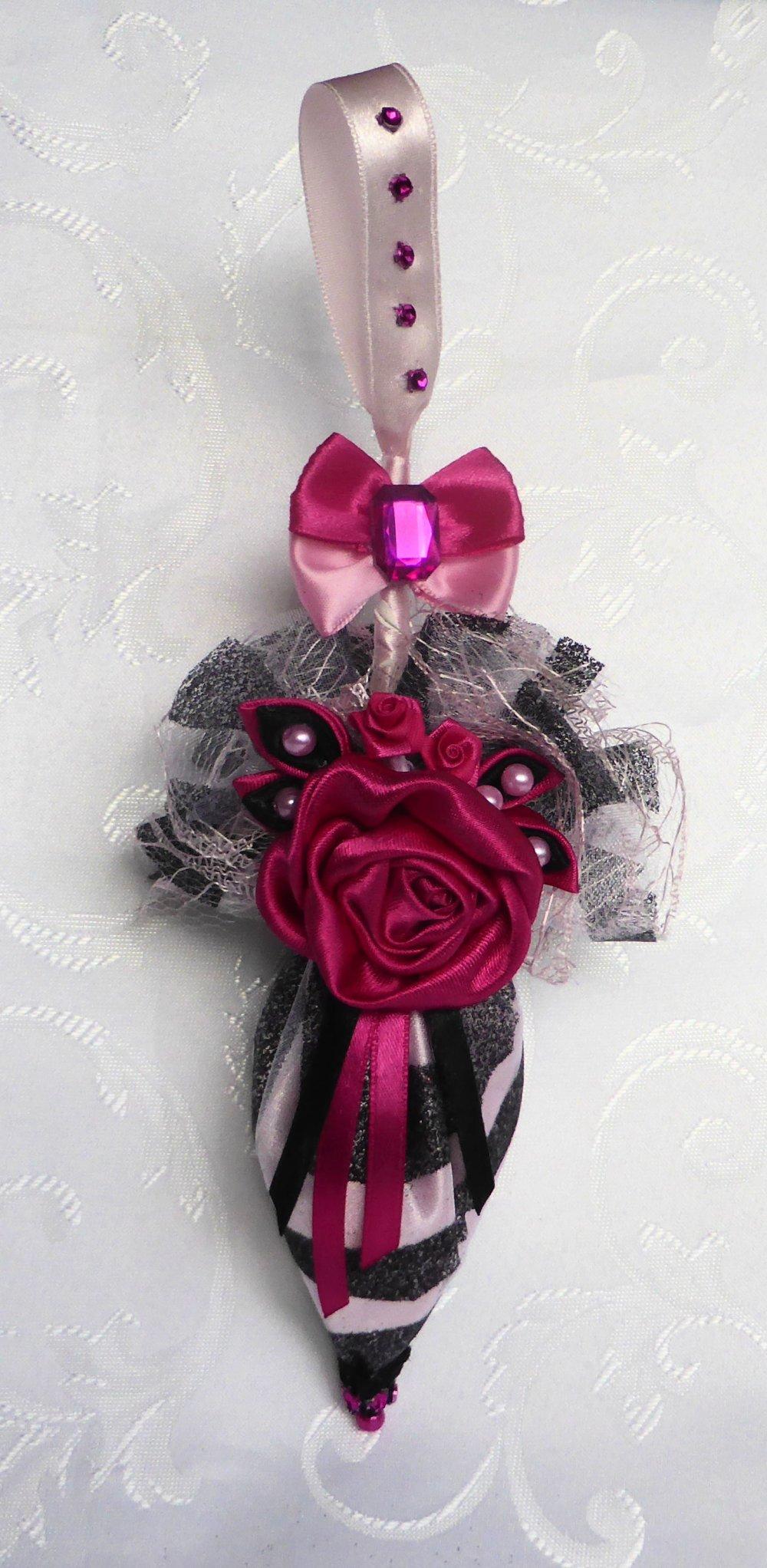 Mini parapluie de décoration noir et fuchsia pour bouton de porte