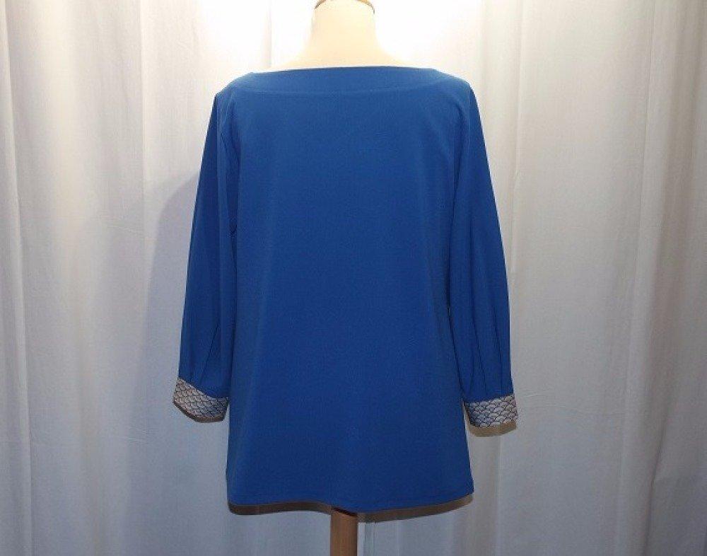 Tunique, chemise, blouse, top ample forme trapèze de couleur bleu