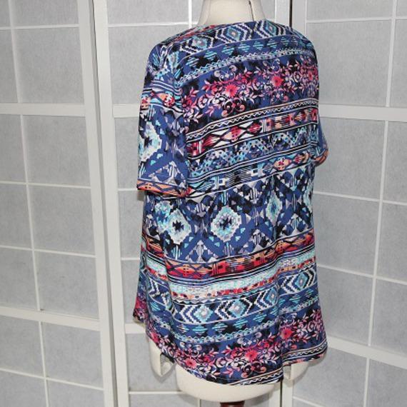 Tunique chemise blouse longue, ample, forme trapèze à manches courtes