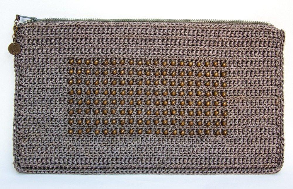 VENDU! Pochette de créateur Boho chic Crocheté avec perles bronze tissées Cordon gris