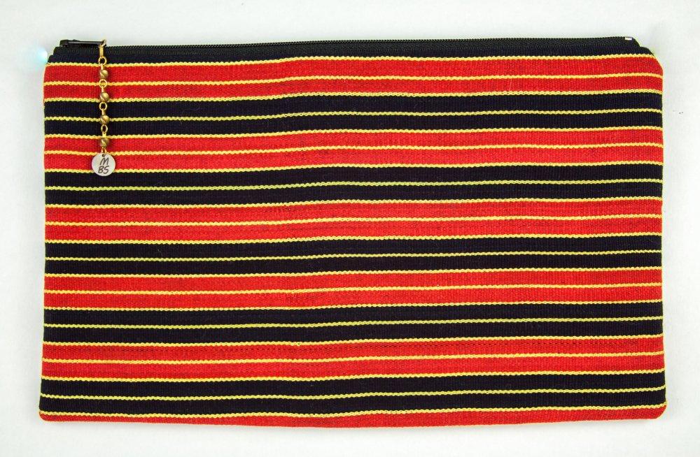 VENDU! Pochette de créateur Boho Ethno Hippie Gipsy Tissu coton Rayé rouge noir Corail Coco Pendentifs bronze Dentelle