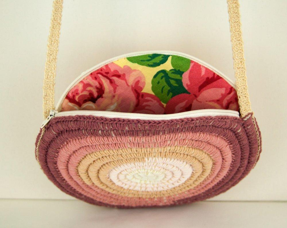Petit sac rond bandoulière de créateur Boho Hippie Shabby chic Crochetée Laine Coton Dégradé de couleur Lilas Rose Ivoire