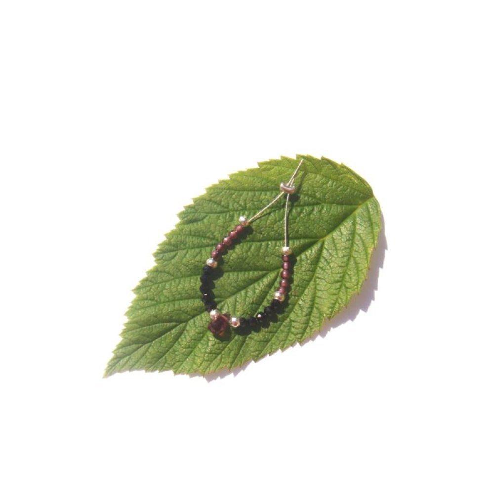 Grenat, Spinelle Noir: MICRO briolette facettée 5 x 3 MM et ses 20 MICRO perles