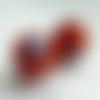 2 perles rondes en céramique 18mm rouge orangé et bleues
