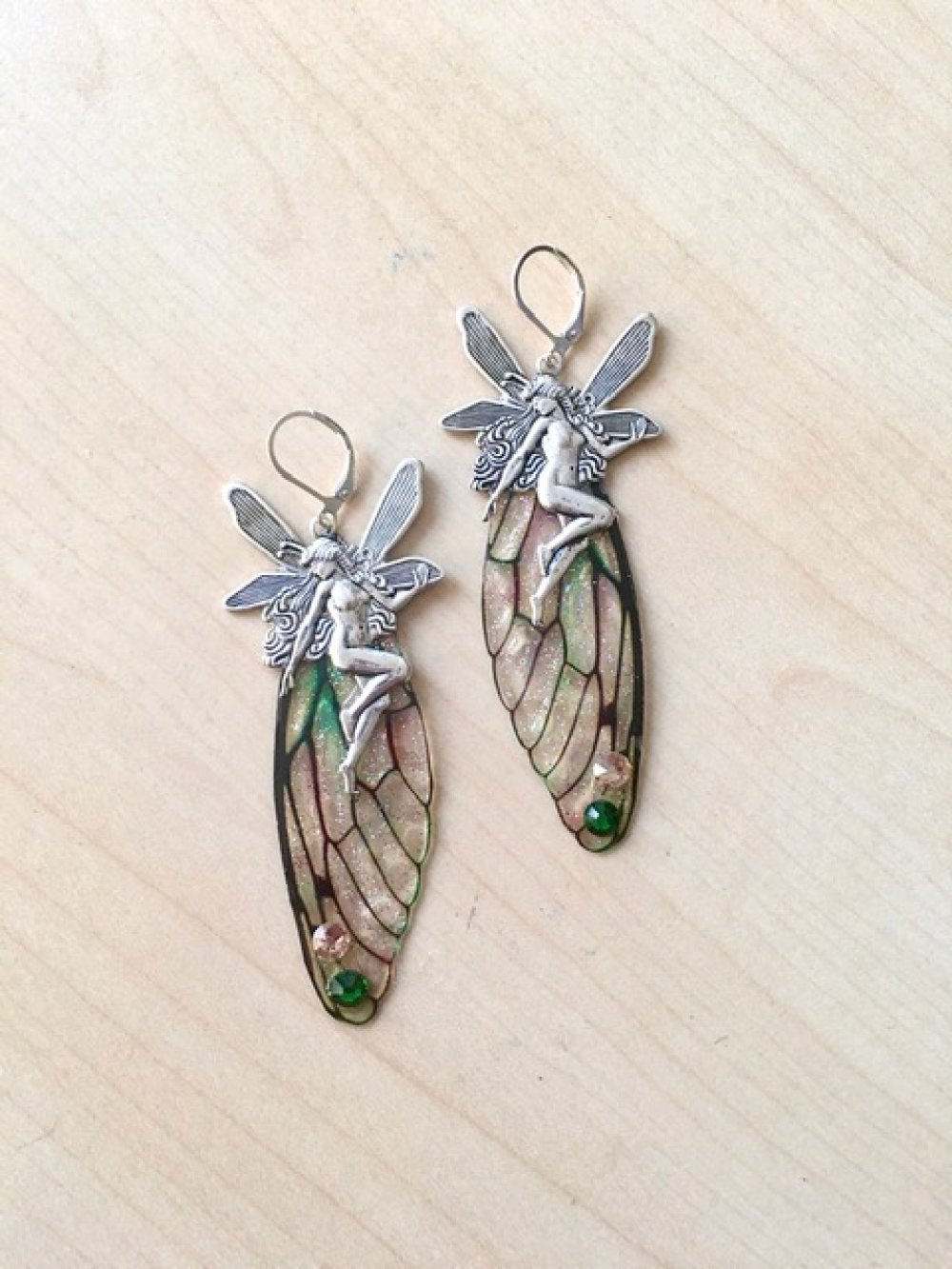 Longues boucles d'oreilles argent 925 avec aile de fée vert et rose et elfe argent