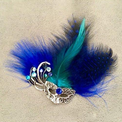 """Broche masque  """"carnaval de venise"""" avec masque vénitien, plumes, cristal swarovski"""