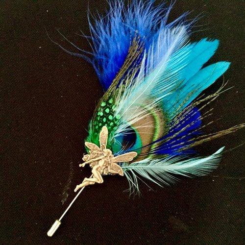 Broche fibule avec plumes de paon et elfe art nouveau