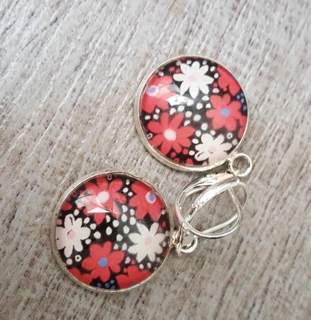 Boucles d'oreilles fleur rouge et blanche