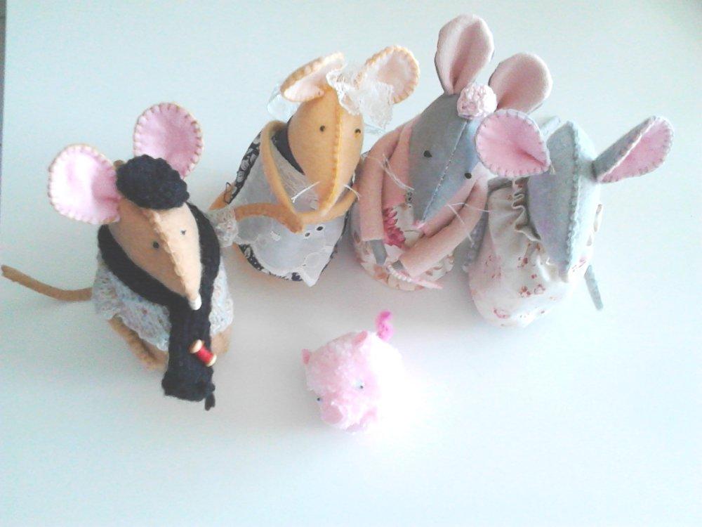 Souris en tissus, marionette, personnage tissus, poupée chiffon,