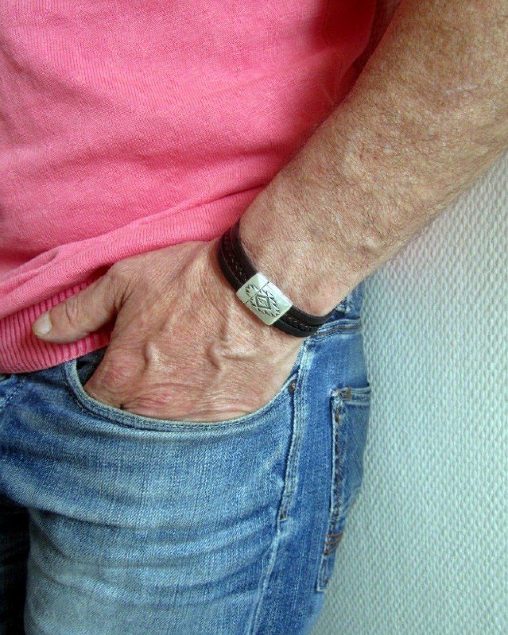Bracelet Homme Cuir Noir, Fermoir Plaqué Argent Aimanté 15MM .Cadeau pour Homme-Cadeau Anniversaire. Fabrication sur Commande