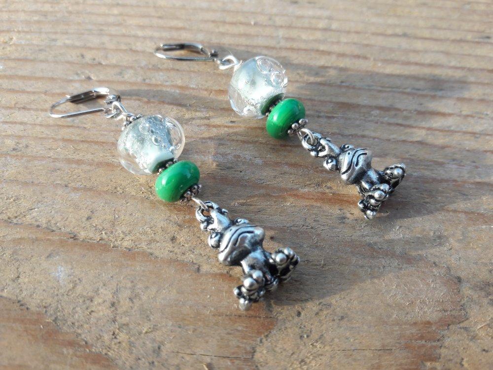 Boucles d'oreille  perle filée au chalumeau, grenouille