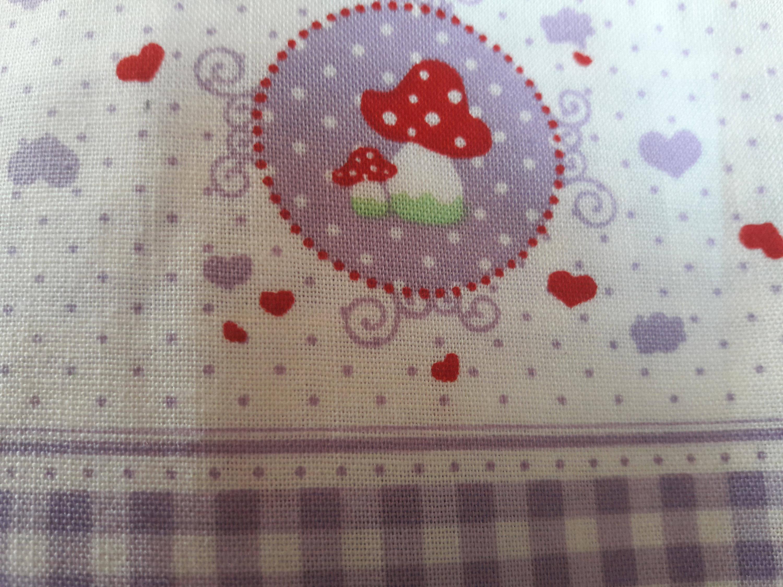 """Tissu  """" tante Emma"""" violet , champignons, , patchwork , couture, 50 par 45 cm"""