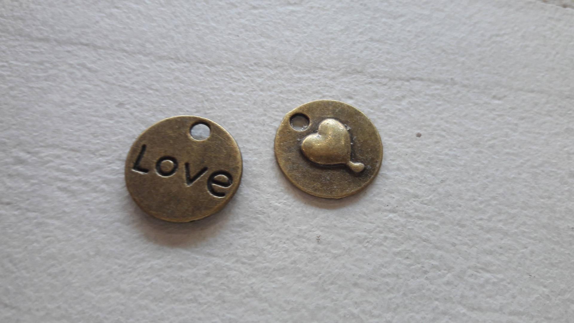 déstockage***5 pendentif médaille love coeur, bronze