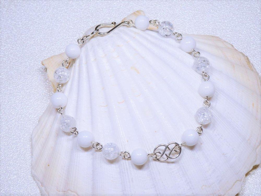 Bracelet cristal de roche et jade blanc sur argent massif