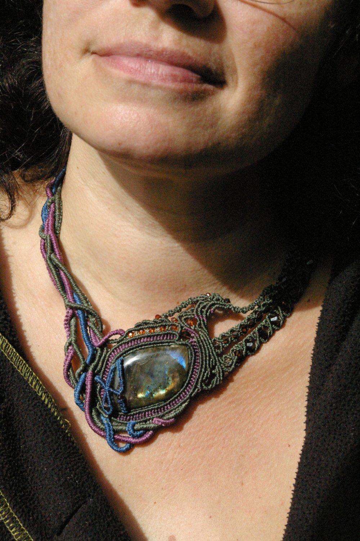 Collier labradorite phoenix en macramé gris, bleu et violinel#Bracelet#Dreads#BOHO#Macramé#BIJOUX#Unique#tresse#mariage#fermoir coulissant